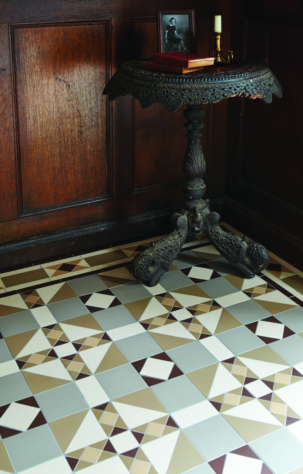 Original Style - VFT - Colchester pattern with Conrad border (modified) in Holkham Dune, Regency Bath, White, Brown, Old London 2.jpg
