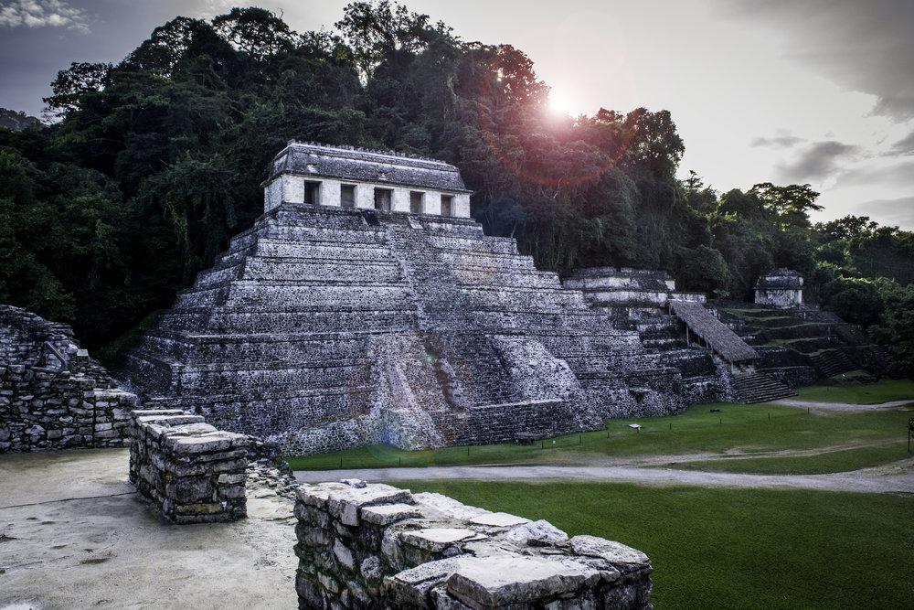 Palenque_temple.jpg