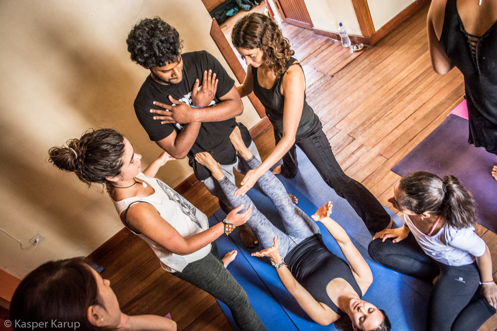 Acroyoga Yoga Room Cusco-8.jpg