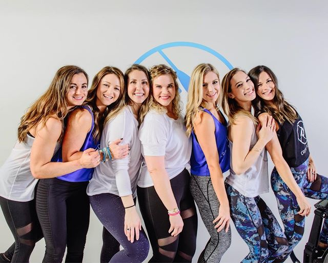 Empowered women empower women. Happy International Women's Day! #internationalwomensday #lifteachotherup #empoweringwomen  #legscorearms #fitwomen #fitspiration #ladiesofcrew