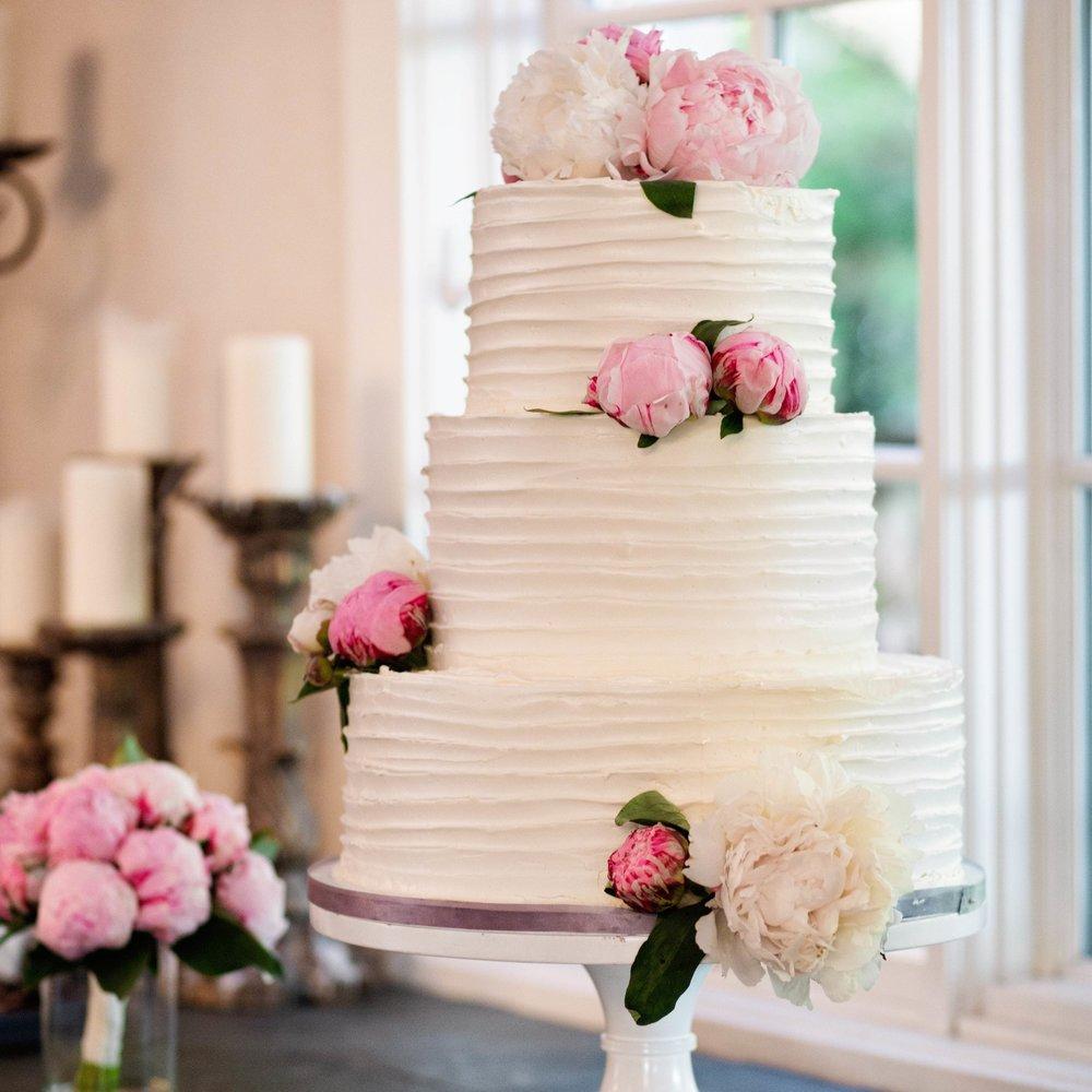 Horizontal Wispy Wedding Cake   (flowers not included)