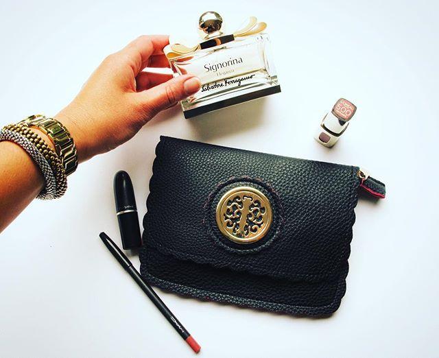 My pick today! 🙆🏻💄#beautyessentials #italianbag #salvatoreferragamo #maccosmetics #lorealparis #byloffs #dkny #abeautifulstory #pickone