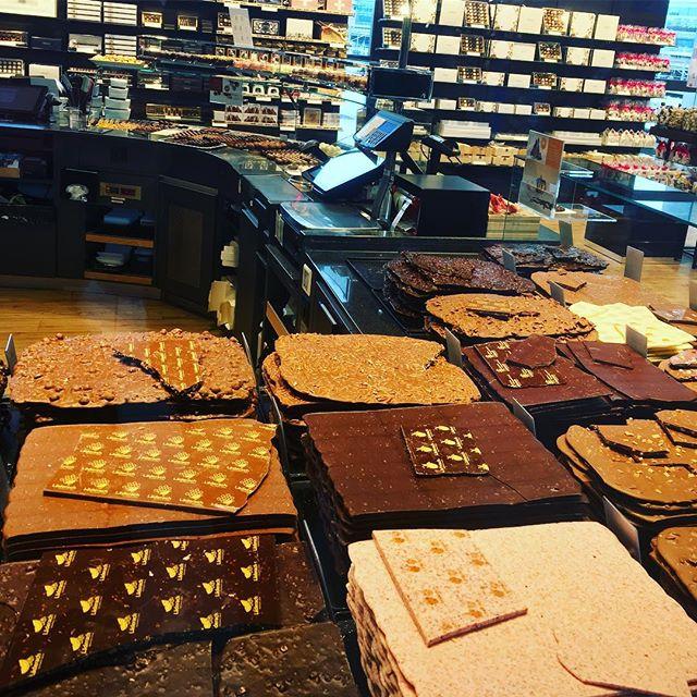 Winter = chocolate mood!! 🍩🍫 #jummy #giveittome #coldputside #chocolate #alwaysok #gottoloveit