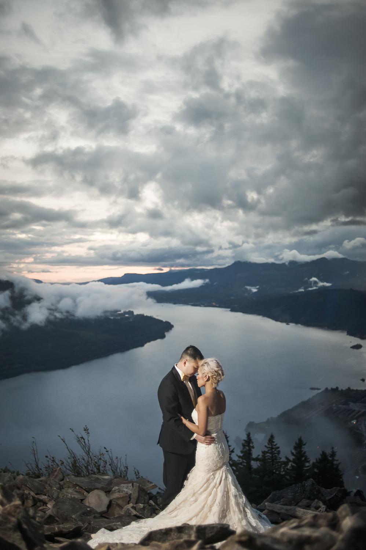 Engagement Session Photos by David Loi Studios In Portland, Oregon