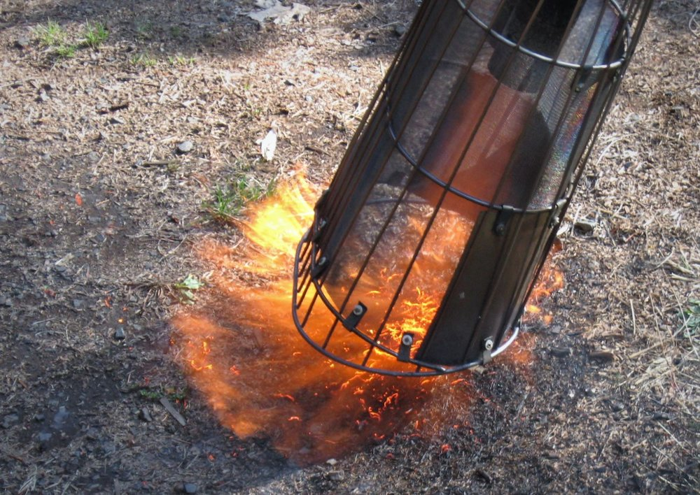 SpHot™ Weeder - Powerful, Focused Flame. The most effective Hand Torch on the market today. Round and Oval Thermal Basket Designs. Backpack available.