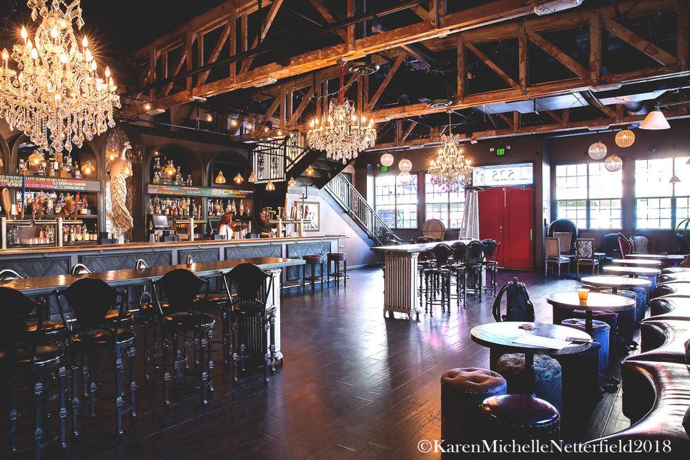 Architecture_Commonwealth_DTLV_Indoor_Bar©KarenMichelleNetterfield2017.jpg
