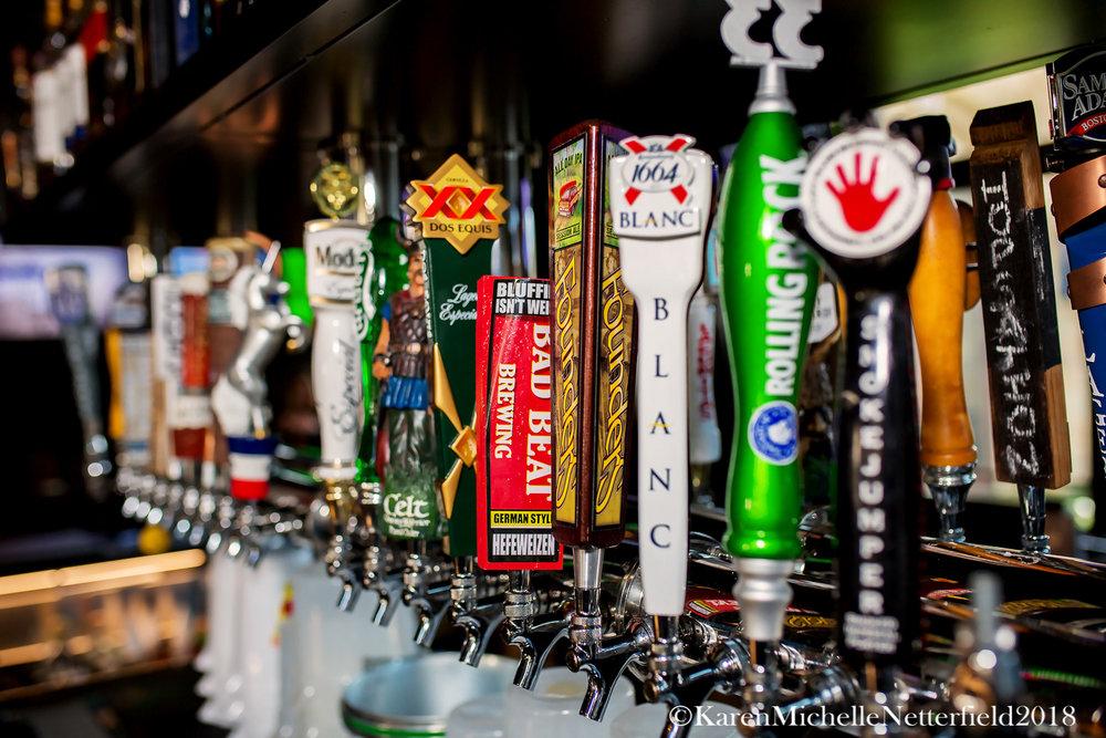Beer_Tap_Handles_Pkwy_Tavern©KarenMichelleNetterfield2017.jpg