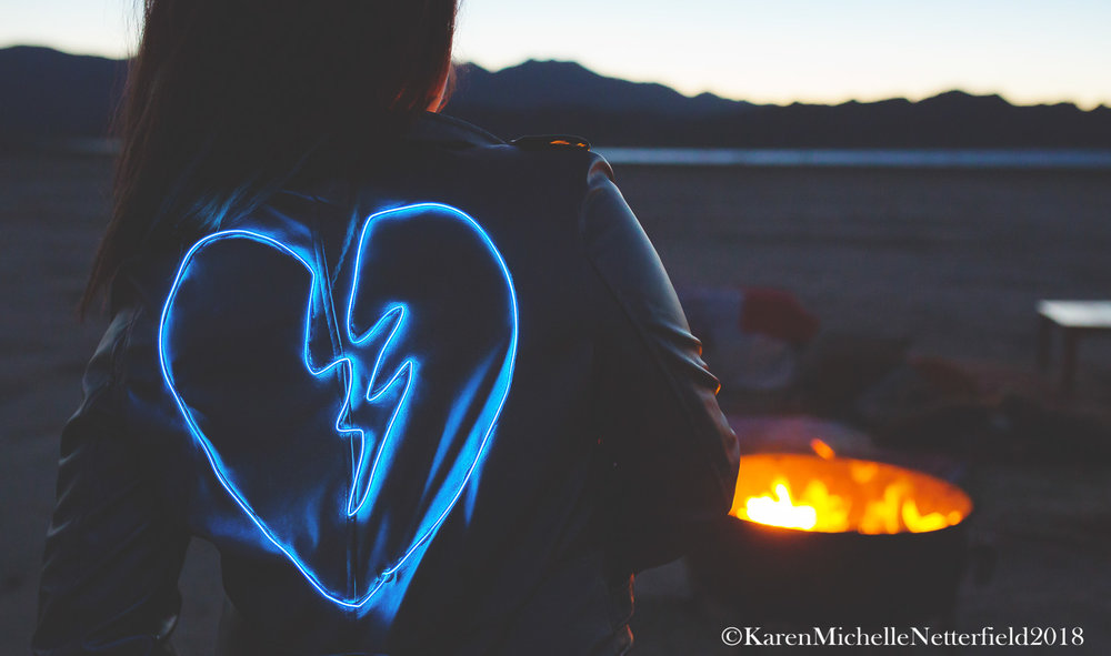 Broken_Heart_NeonMuse_©KarenMichelleNetterfield.jpg