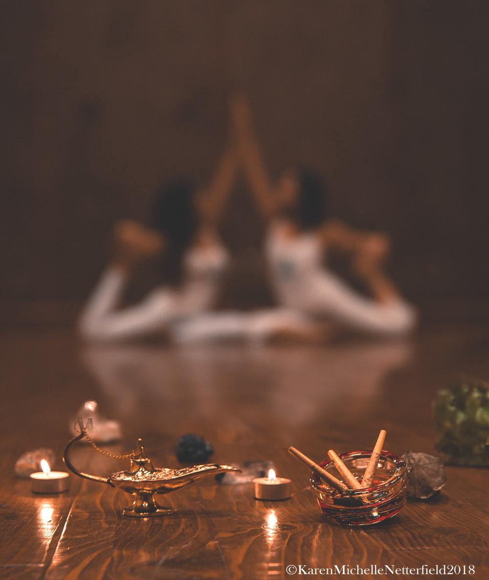 Elevate_Magazine_Cover_Isssue_Yoga_420_Class©KarenMichelleNetterfield2017.jpg