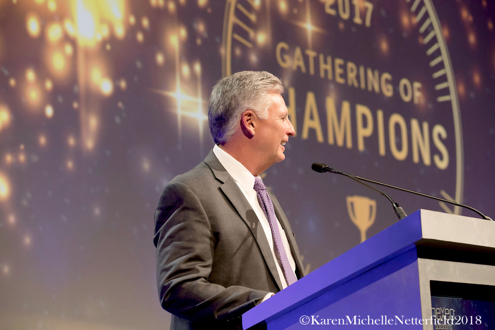 Corporate_Conference_Award_Ceremony_NIssan_Canada_President©KarenMichelleNetterfield2017.jpg