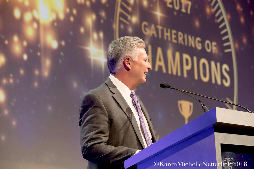 Corporate_Conference_Award_Ceremony_NIssan_Canada_President©KarenMichelleNetterfield2017.jpg