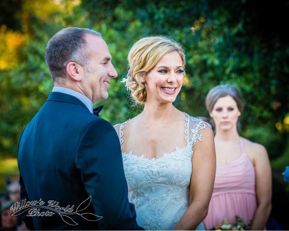 Because I was allowed to move freely, I could capture the bride and groom's joy during the ceremony...