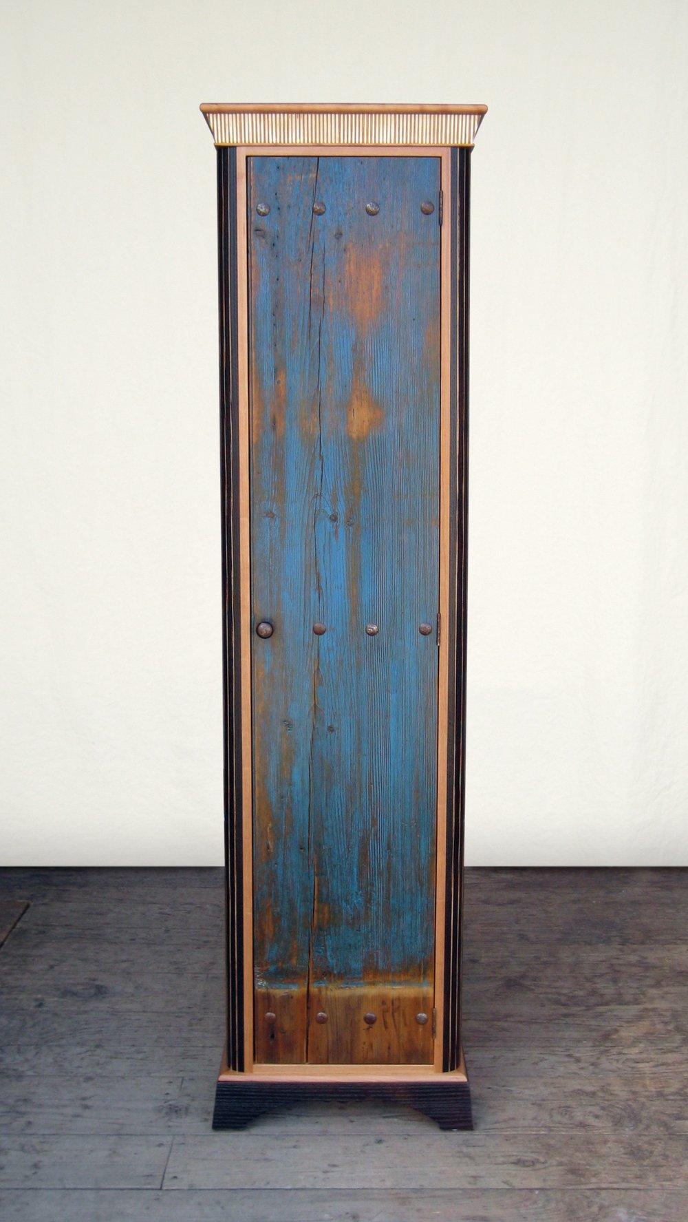 cabinet-tall-blue-033.jpg