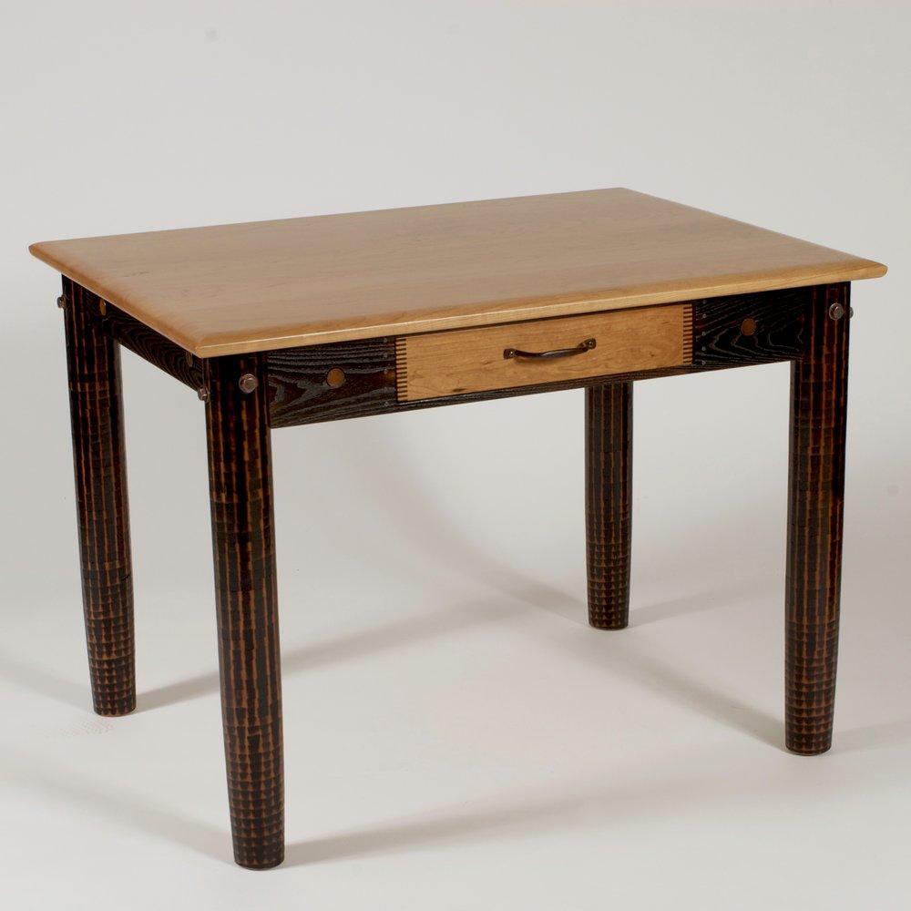 desk-sweet-little-desk-001.jpg