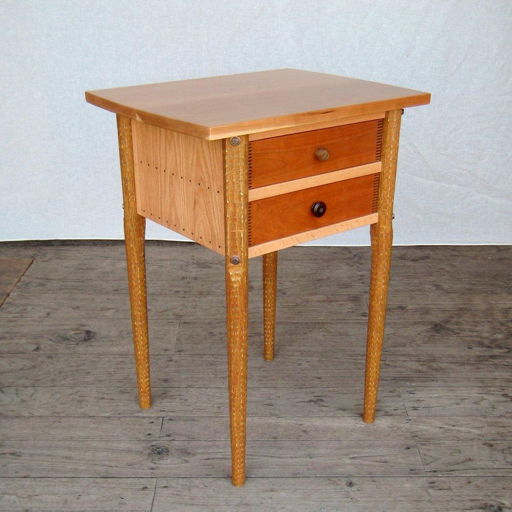bedside-table-hofman-002.jpg