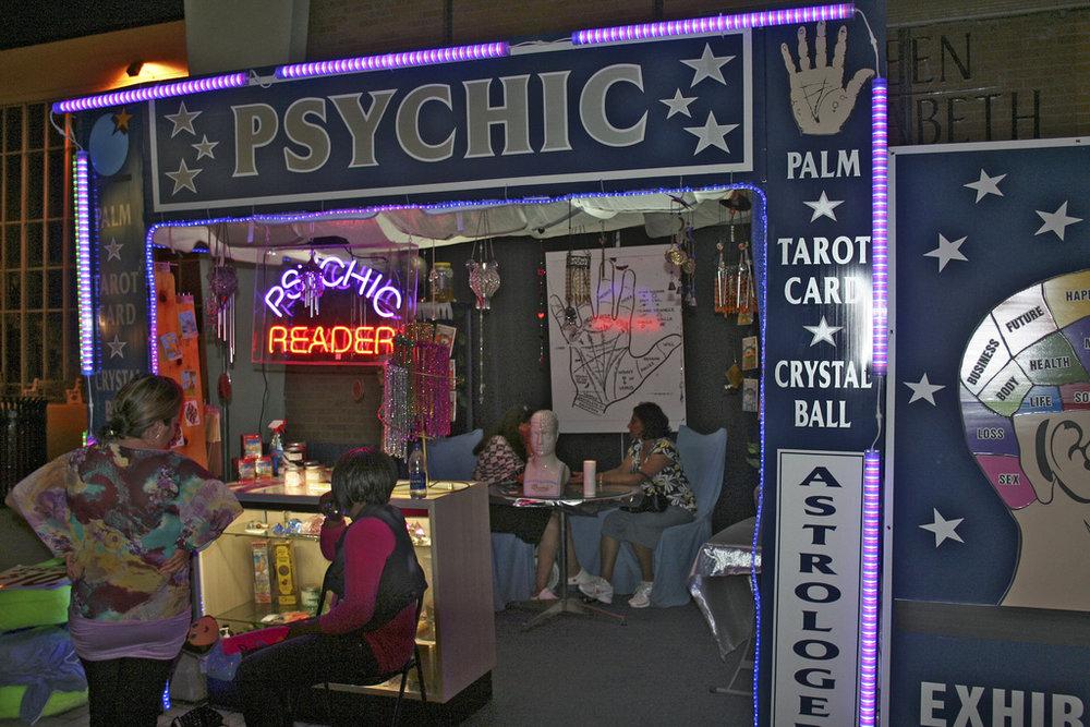 Psychic_reading.jpg