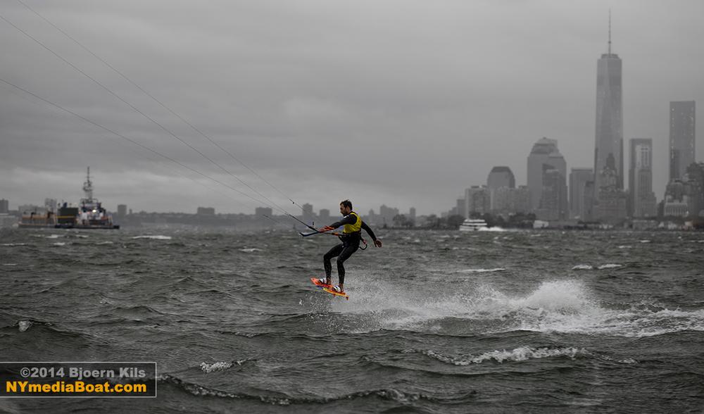 20140822_bjoern_kils_kitesurfing_NYC-2060_1200wm.jpg
