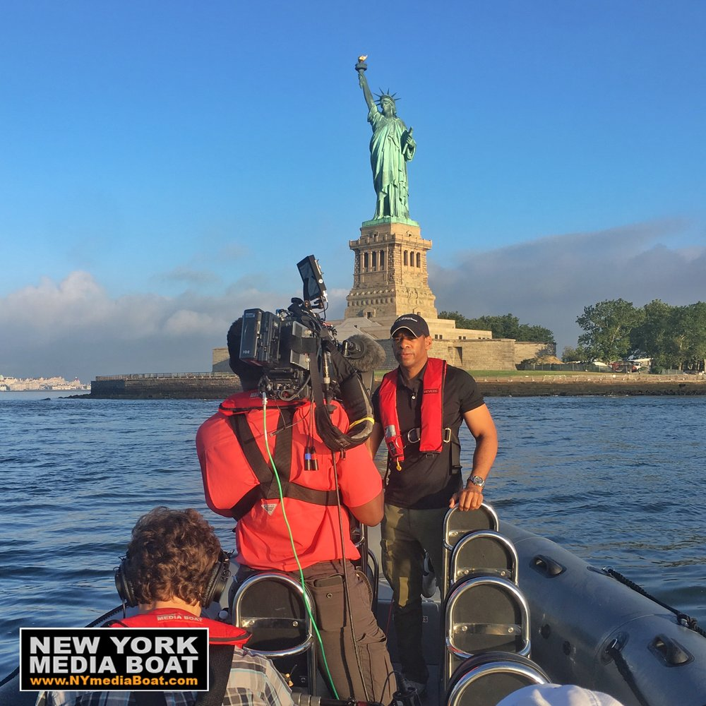Blog New York Media Boat Adventure Sightseeing Tours Navigation Light Switching For Vessels Under 20 Meters Blue Sea Cbs This Morning Covers Lady Liberty Climber