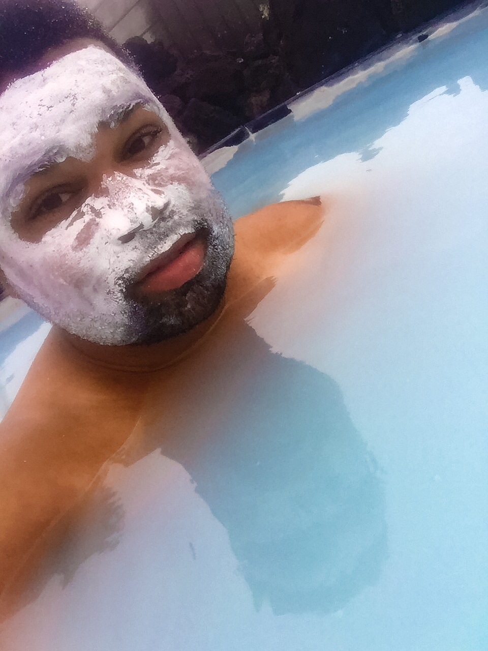 Chilling with the silica mud mask on. This was followed by the algae mask.