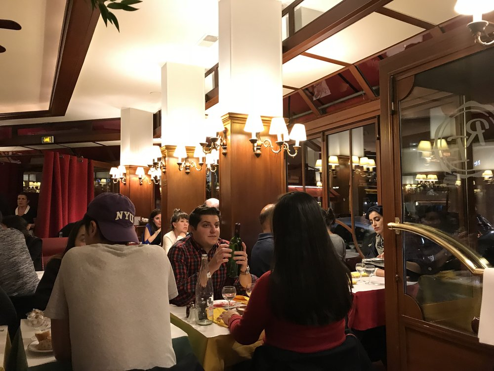 Le Relais de l'Entrecôte - a popular steak & frites restaurant in Paris, France