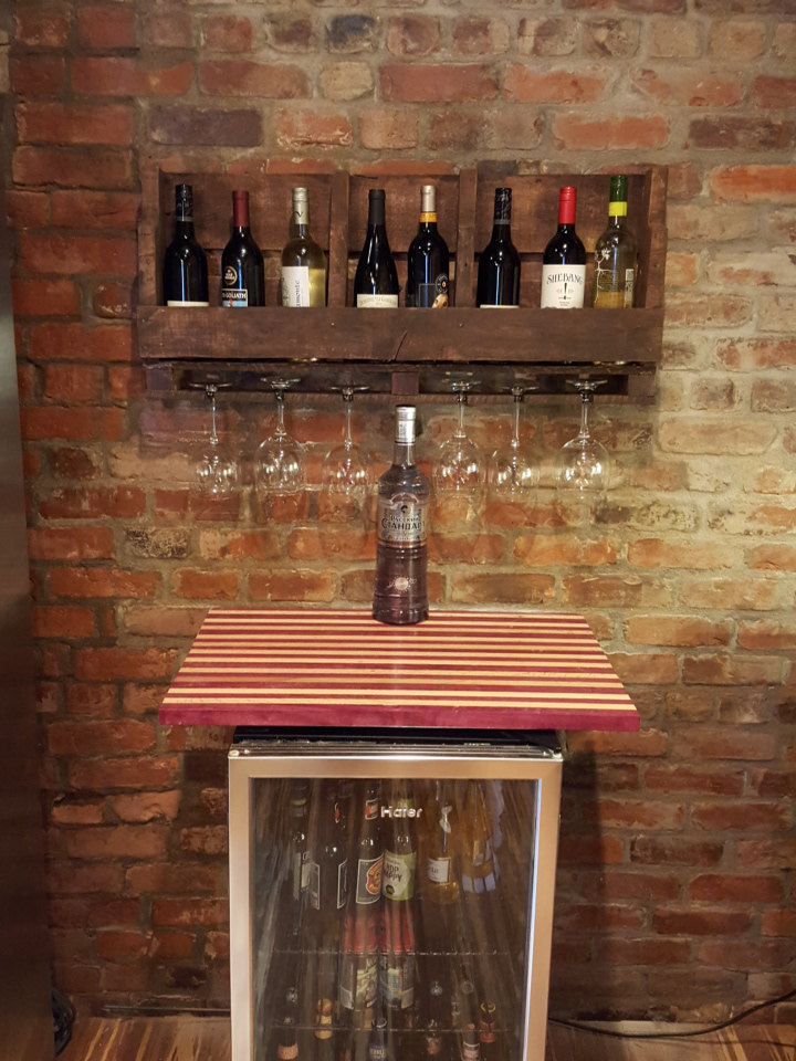 Reclaimed Wood & Pallet Wine Rack & Wine Glass Holder