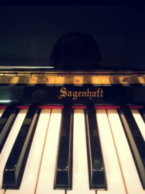 Sagenhaft piano nameboard.jpg