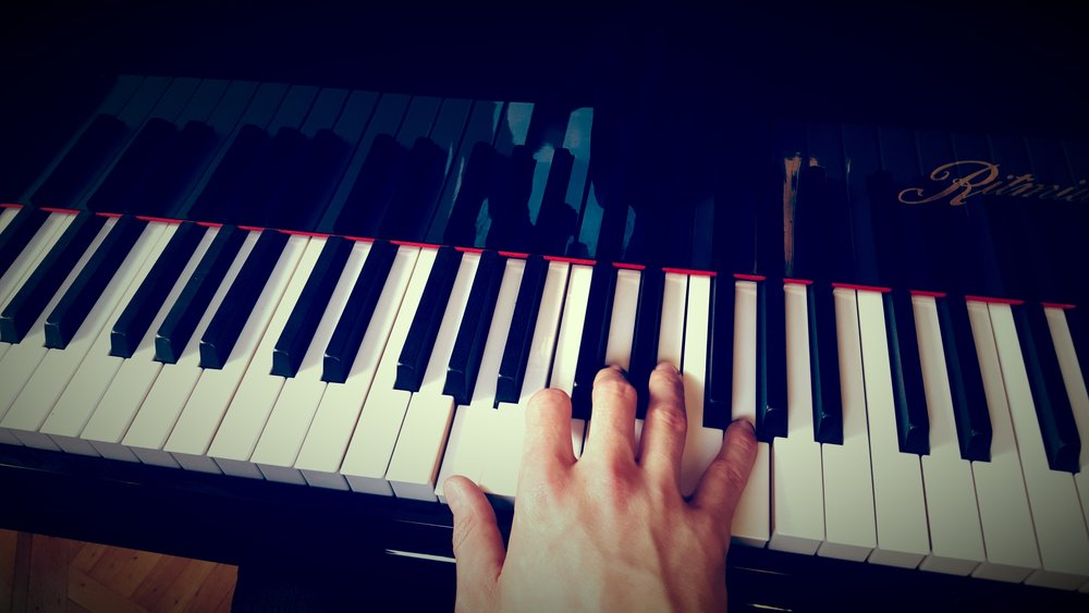 hand chord landscape.jpg