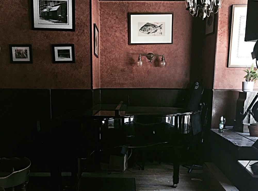 caffe vivaldi grand piano.JPG