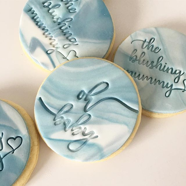 Custom logo cookies going out to @theblushingmummy for their curated mumma and bub boxes! Thanks to Alex @sweetsavannacookies for the custom embossers 💕