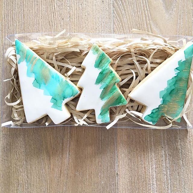 These modern watercolour Christmas trees will also be part of this years Christmas cookie range!