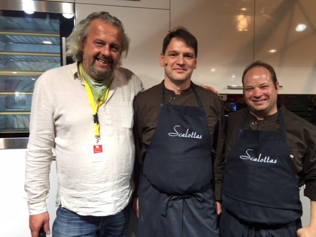 Dominik Flammer, Hansjörg Ladurner und einer seiner Mitarbeiter