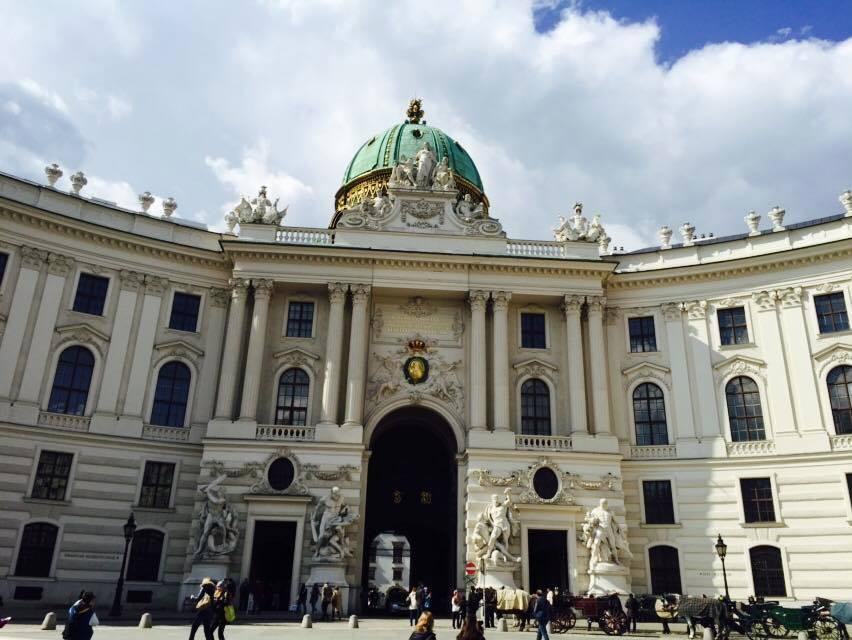 <p><strong>Austria</strong><a href=/austria> →</a></p>