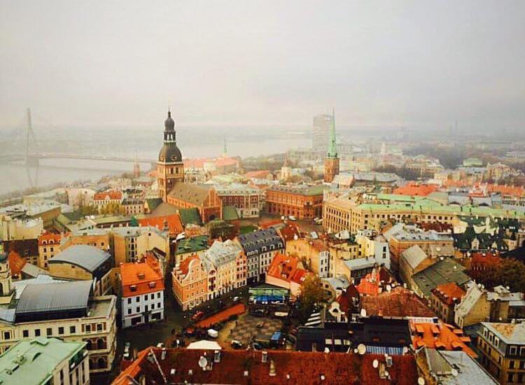 <p><strong>Latvia</strong><a href=/latvia> →</a></p>