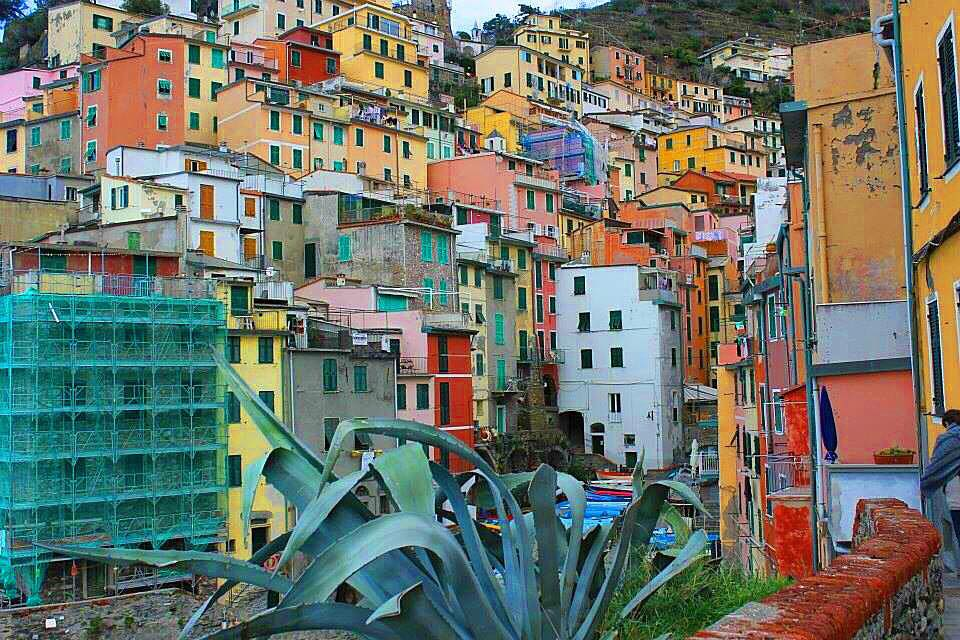 <p><strong>Italy</strong><a href=/italy> →</a></p>