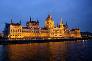 <p><strong>Hungary</strong><a href=/hungary> →</a></p>
