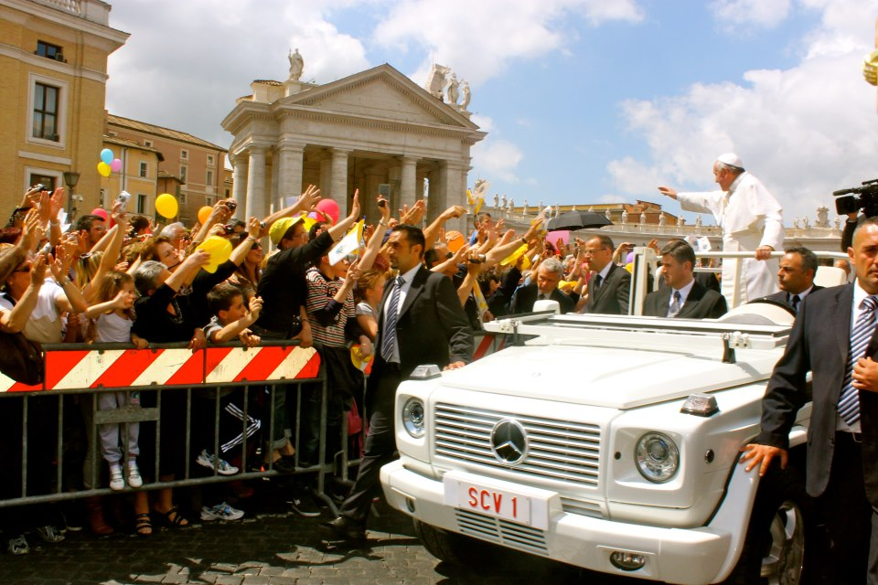 <p><strong>Vatican City</strong><a href=/vatican-city> →</a></p>