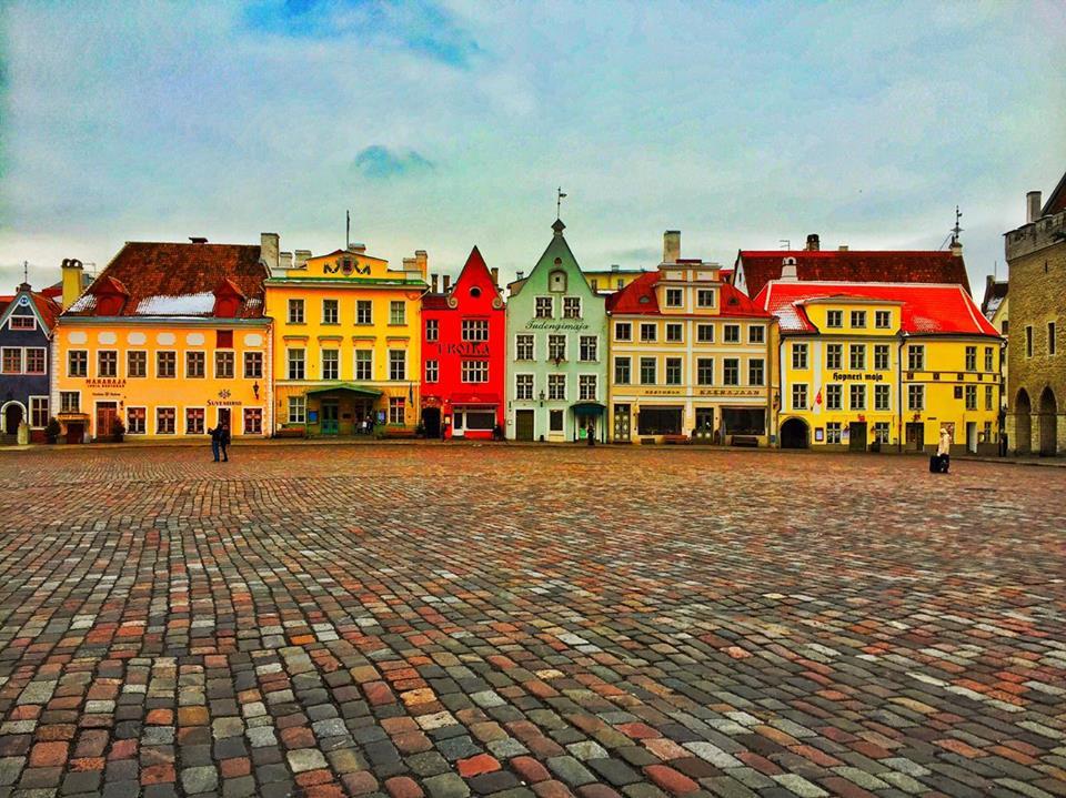 <p><strong>Estonia</strong><a href=/estonia> →</a></p>