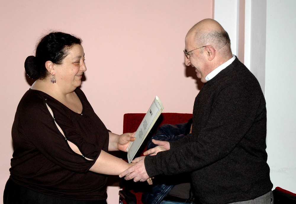 19.Margarit Piliposyan giving certificates to ANSEF 2014 awardees (4).JPG