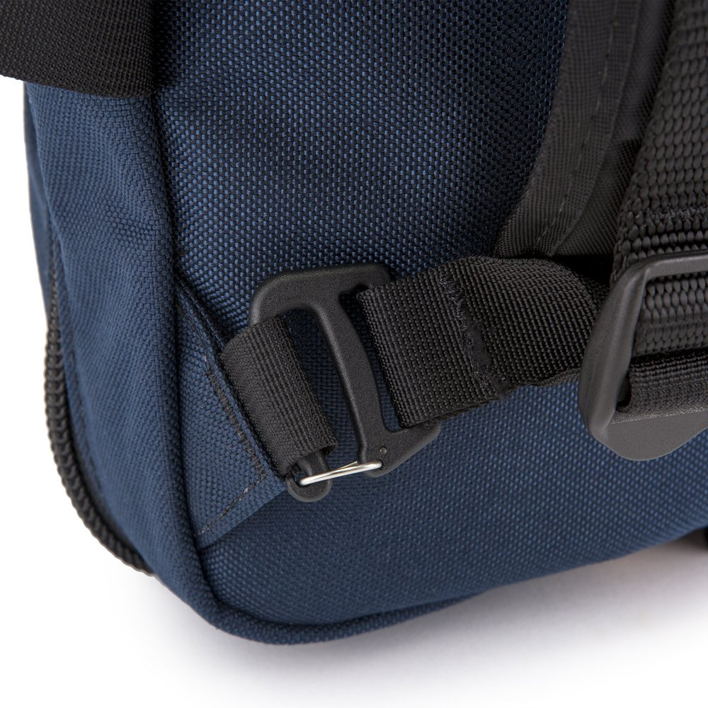bags-mountain-briefcase-10_27bd0c29-121a-4075-bba6-c864a3786a9c_2048x2048.jpg