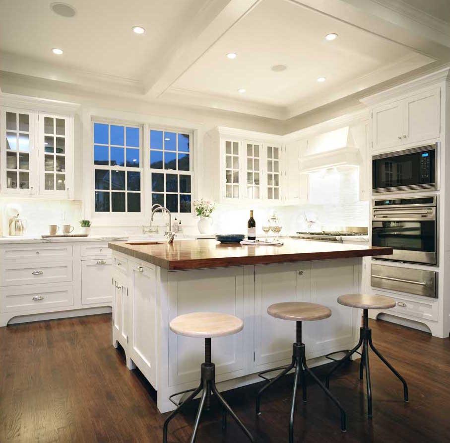 Hampton_Design_Sag_Harbor_Kitchen02.jpg