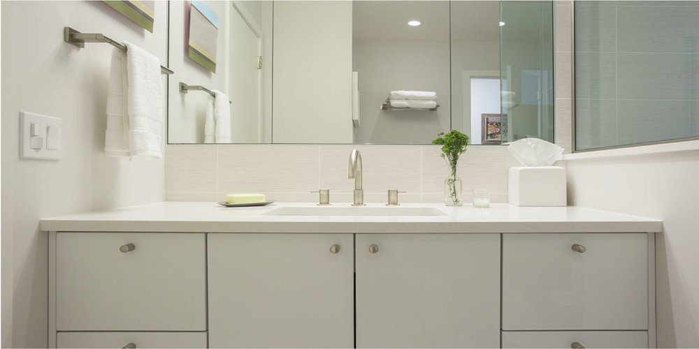 Hampton_Design_Wainscott_modern_Bath_02.jpg