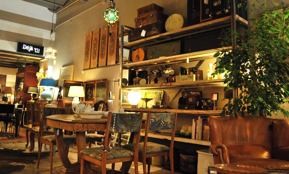 "5 p.m. :  DejaVu Concept  ""I could spend hours in here. It's a vintage hunter's dream."" c/Calabria, 122; M: Rocafort"