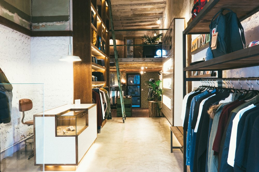 "6p.m. :  Trait Store  ""The coolest concept store in the area."" c/Parlament, 28; M: Sant Antoni"