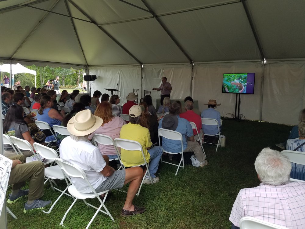 Talking tomatoes in a big tent at Monticello on a warm Saturday afternoon