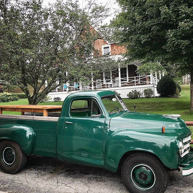 We've taken a bit of a break from AC Grayling and insta this summer but we are back in action with a farmhouse table delivery in our new delivery truck 💨🚘 #studebacker #vintagetruck #deliveryday #furnituremaker #farmhousetable #newenglandhome #oldtrucks #customfurniture
