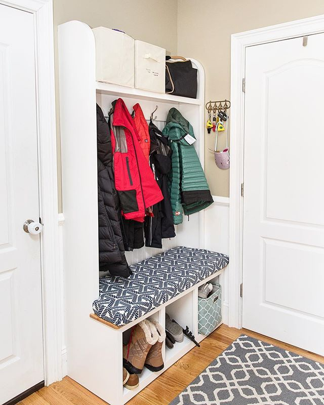 Two projects out the door last month for a family with young children looking for easy storage solutions! Custom built-in mud room cubby for all the shoes and coast; and a custom entertainment box to keep little toddler hands away from the electronics 👌🏻 #custombuiltins #mudroommakeover #nauticalhomedecor #finecarpentry #builtinstorage #customfurniture #newenglandhome #madeinnewengland #rhodeislandcraftsman #furniturebuilder #woodworkerofinsta