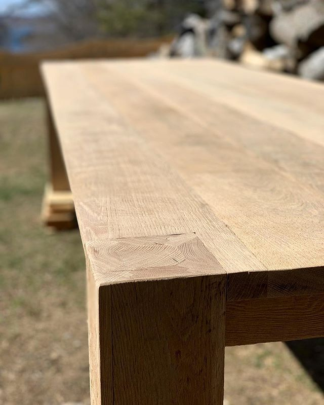 11 foot Oak table for a Boston client ready for finish! #bostoninteriordesign #oaktablebuilds #customdiningtable #customfurniture #madeinnewengland #diningtables #oakdiningtable