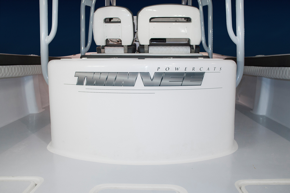 twinvee-power-catamarans-99.jpg