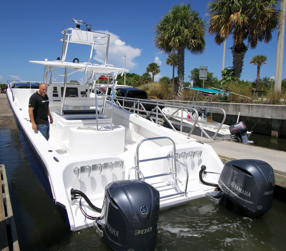 twinvee-power-catamarans-360-5.jpg