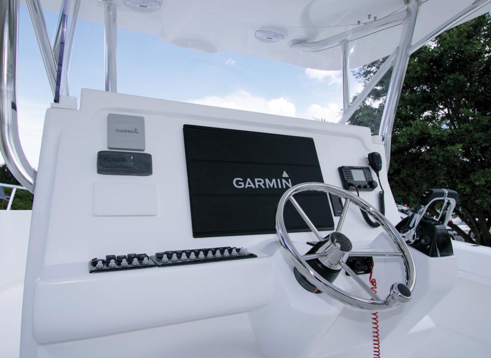twinvee-power-catamarans-360-6.jpg